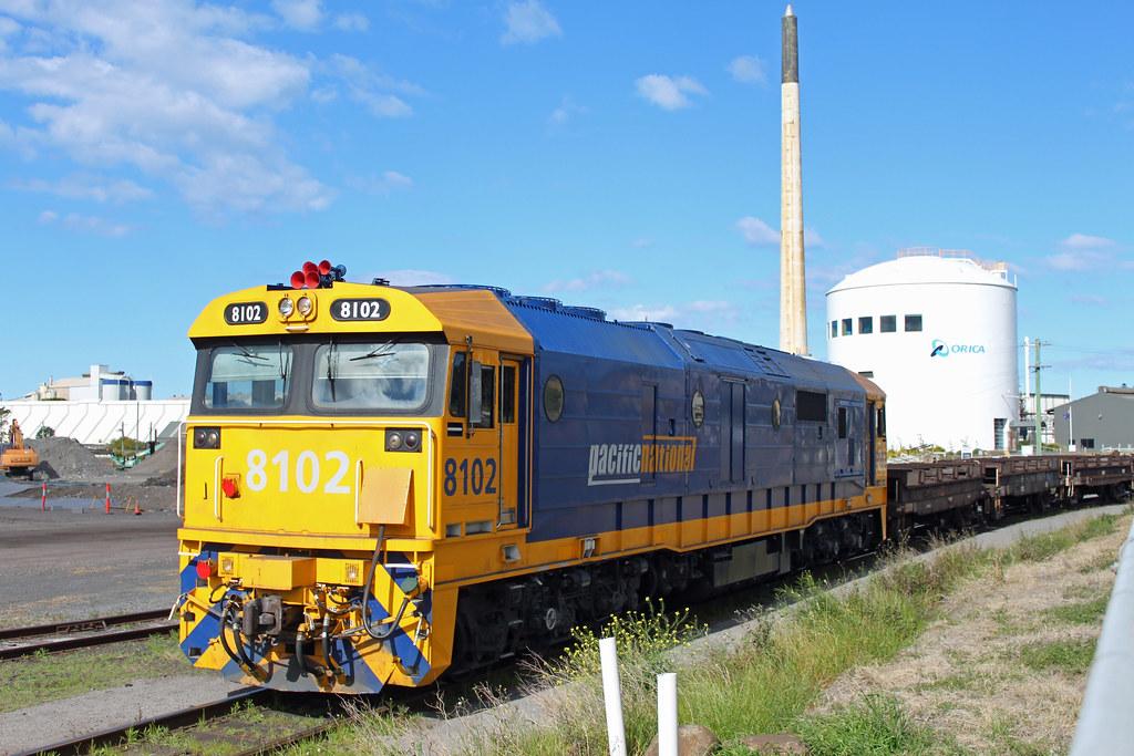 8102 Port Kembla shunter by Thomas
