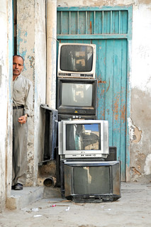 Tunisia-3433 - Want to buy a TV......