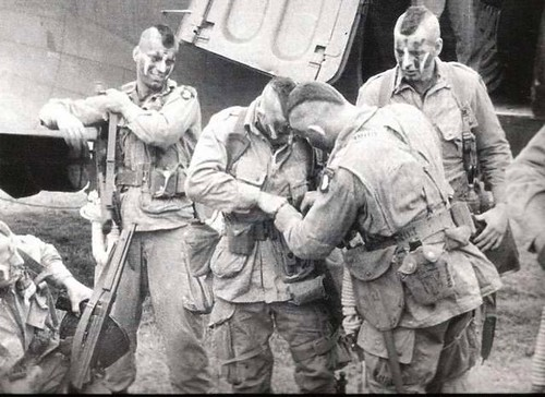 427U.S. Paratrooper Mohawks, World War II