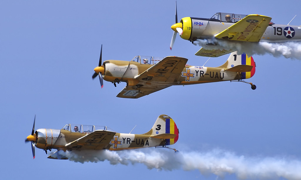 AeroNautic Show Surduc 2012 - Poze 7521290236_f141bfc73b_b