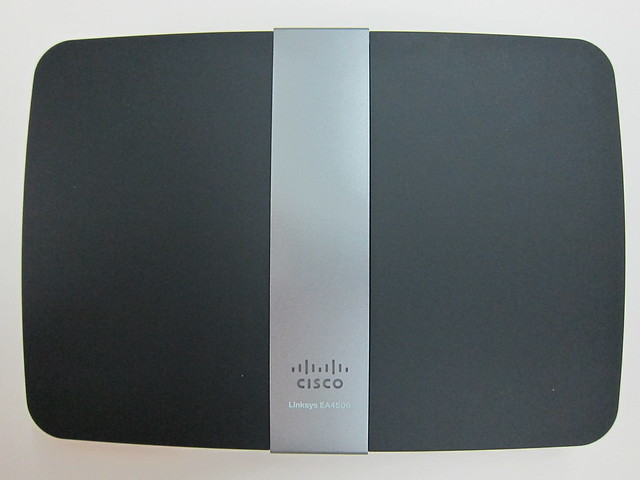 Cisco Linksys EA4500 - Front View