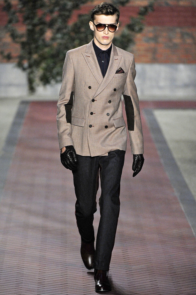 Charlie France3605_FW12 NY Tommy Hilfiger(VOGUE)