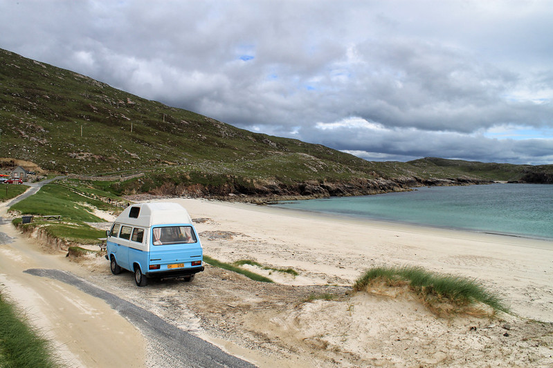 VW T25 by the Beach, Tips for picking the right car for driving in Scotland
