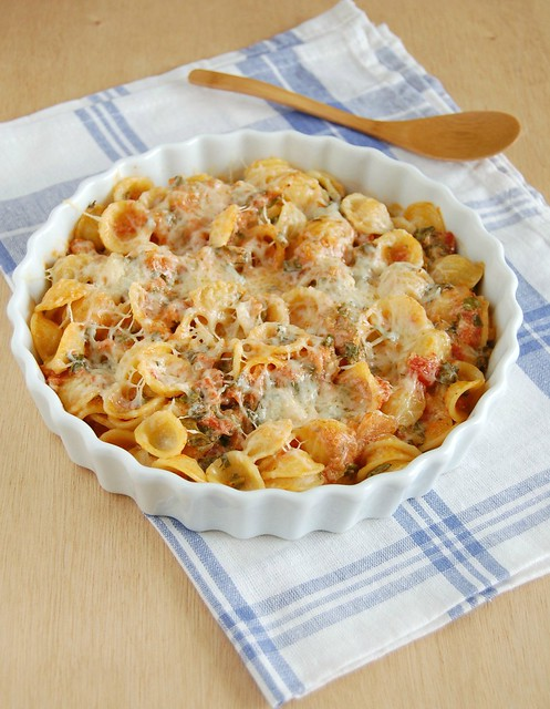 Spinach casserole with orecchiette and cheeses / Orecchiette de forno com espinafre e queijos