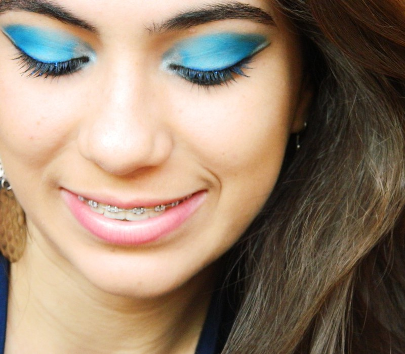juliana leite make up facebook azul com delineado duplo 031