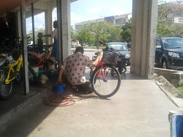 sifu fixing bike