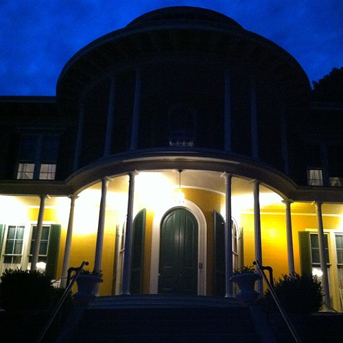 Hillforest Mansion at night! #goignighthillforestthanksbwnsmeeksforagrwatevening #indiana #ohioriver