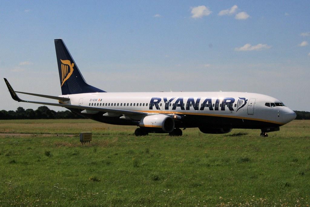 EI-ESR - B738 - Ryanair