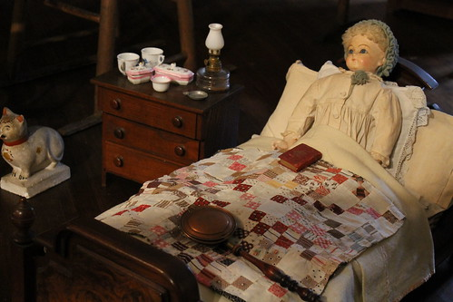 toys and doll quilts at the DAR