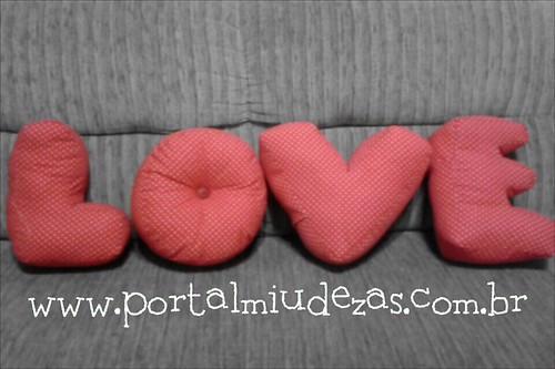 Almofada LOVE by miudezas_miudezas