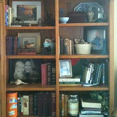 Bookshelves can be pretty too! #organizing #clutterbusters