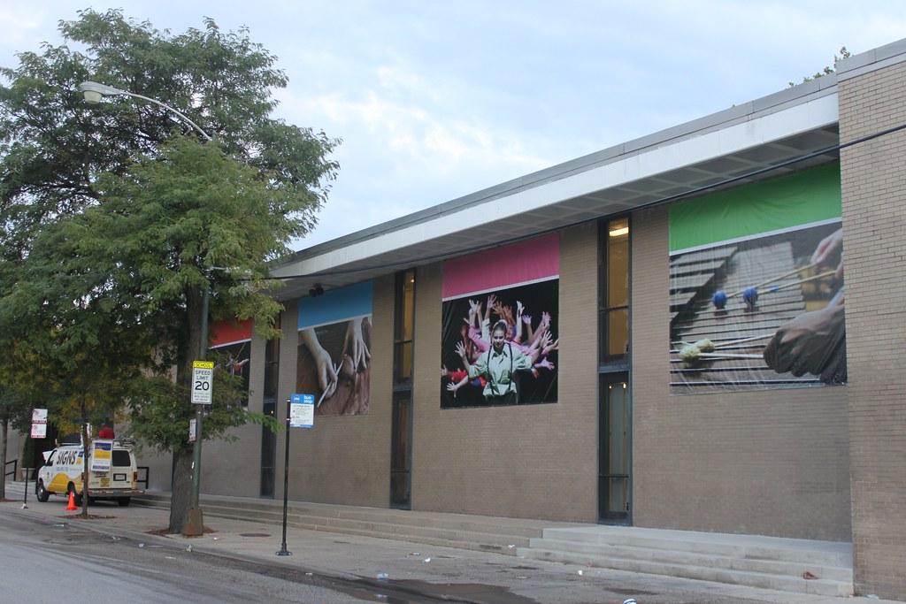 Outdoor Vinyl Marketing Banners in Chicago
