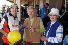 Liz, with two local ladies at the Geraldton Railway Markets