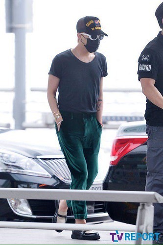 Big Bang - Incheon Airport - 26jun2015 - TV Report - 09