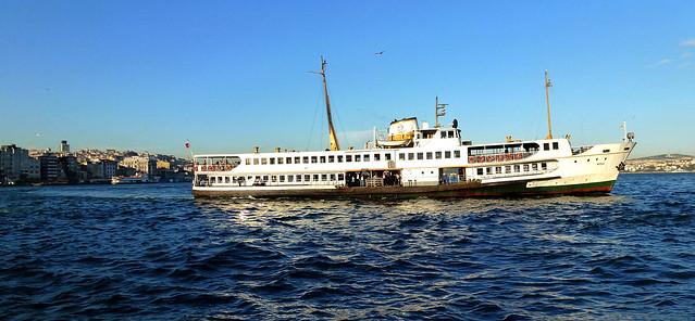 Istanbul - avril 2012 - jour 6 - 148 - Vapur - Sur le Bosphore
