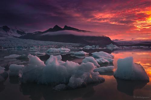 sky ice night iceland lagoon glacier iceberg nótt himinn jökull ís lón skriðjökull fjallsjökull múli ísjaki fjallsárlón breiðamerkurfjall hphson
