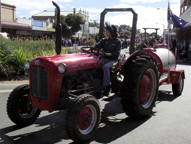 1962 Massey Ferguson Mf 35 : Massey ferguson tractor flickr photo sharing