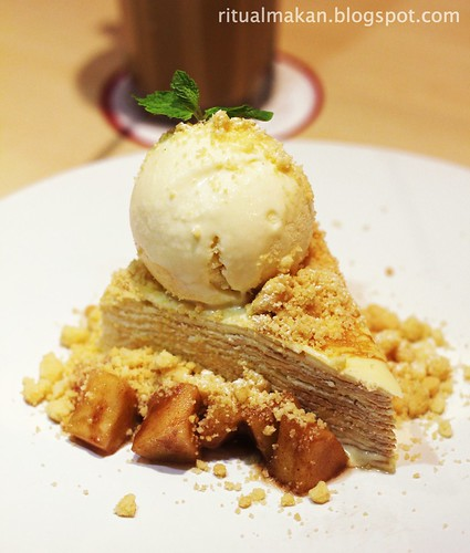 apple crumble crepes cake w vanilla ice cream