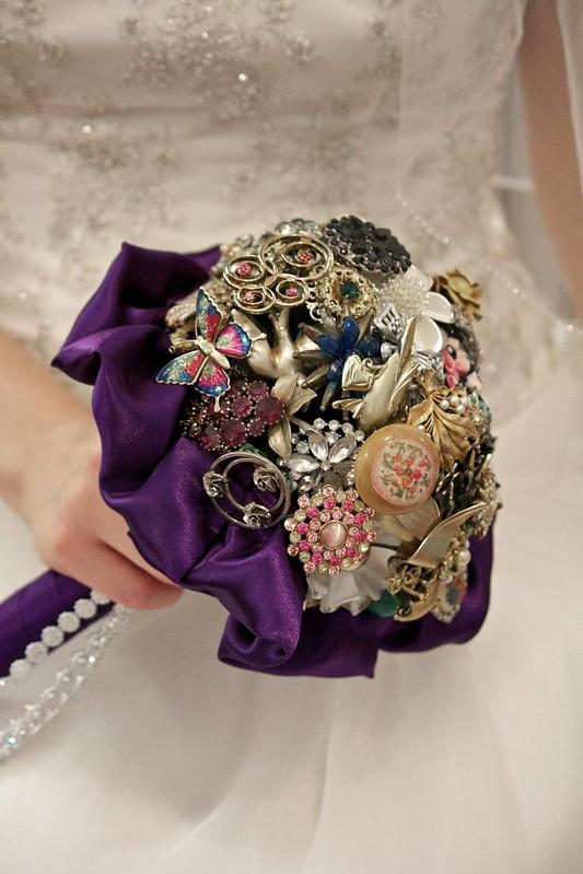 Diy Bridal Bouquet Tips : Compliment a diy bridal brooch bouquet with ornament
