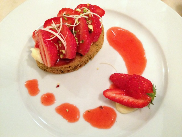 Fraise Sable at Semilla, Paris