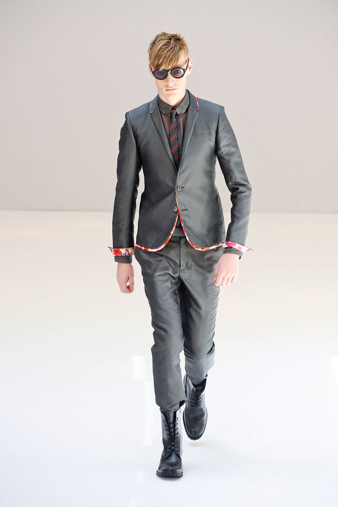 Roberto Sipos3009_SS13 Paris Rynshu(fashionising.com)