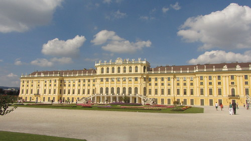 Schoenbrunn Palace by Danny McL