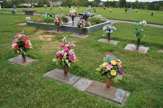 Gravesite of Johnny Cash and his wife June Carter Cash