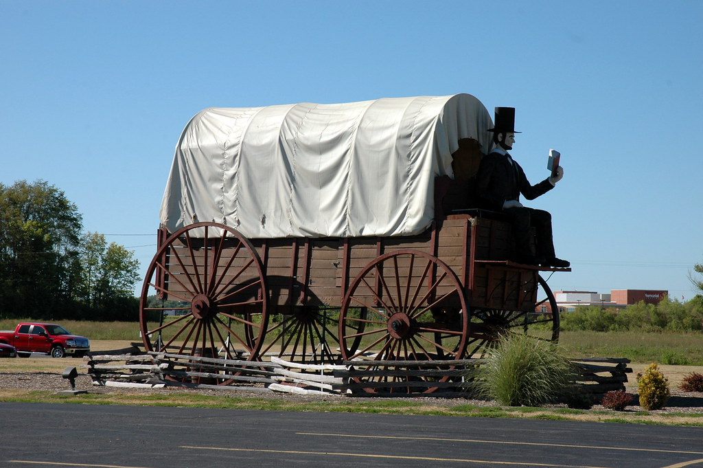 Lincoln on World's Largest Covered Wagon, Lincoln, IL
