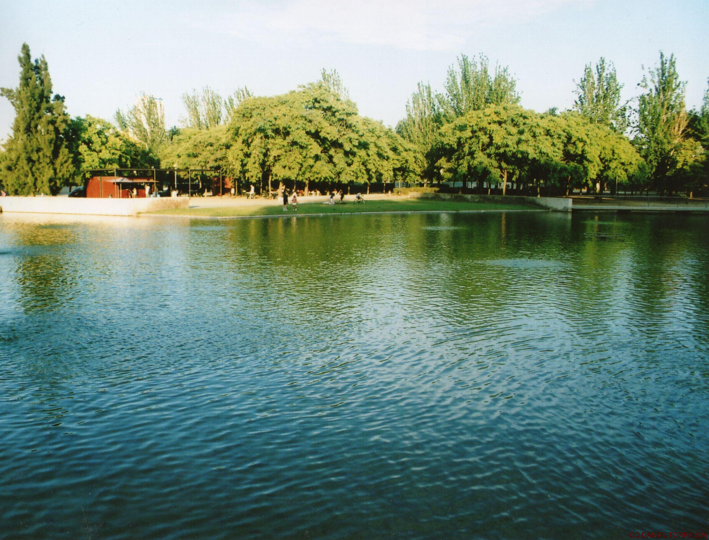 Lago can zam parque can zam en santa coloma by for Chiquipark en santa coloma de gramenet