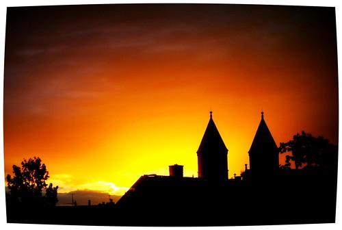 sunset lund skåne sweden sverige somewhere semester solnedgång kyrktorn holidaymemories quartasunset