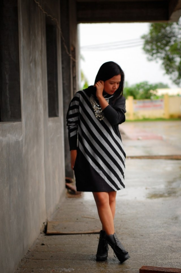 Denise Katipunera, Style Blog, Diagonal Stripe Dress, Rainy Day Dressing