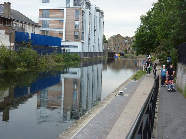 Regent canal blue hour-30