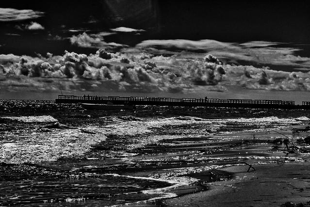 Beach b/w