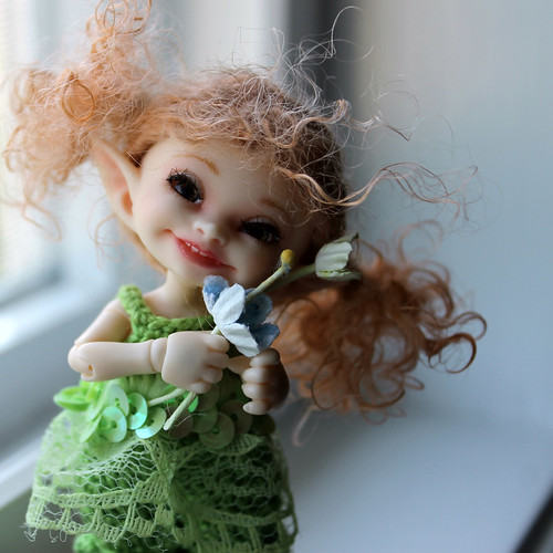 a younger Miss Muffet