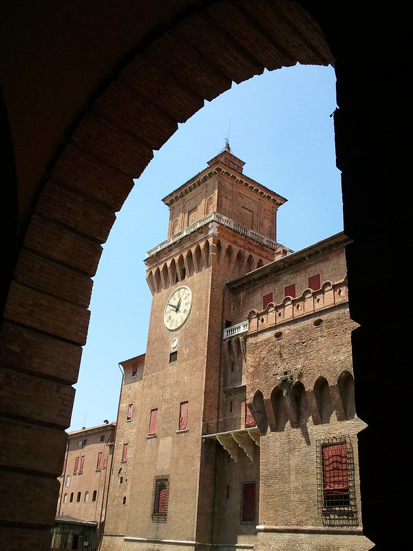 Castello Estense: Torre dell'orologio, Ferrara, Italy - Estense Castle - Clock Tower, Ferrara, Italy - property and copyright by www.fedetails.net