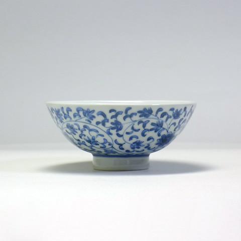 砥部焼 陽貴窯「丸茶碗/花唐草(小)」