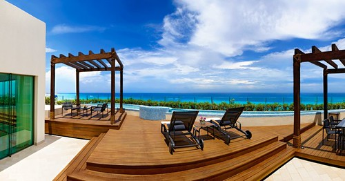 Top luxury all inclusive cancun hotel live aqua named best resort in mexico holiday news the for How many rooms at live aqua cancun