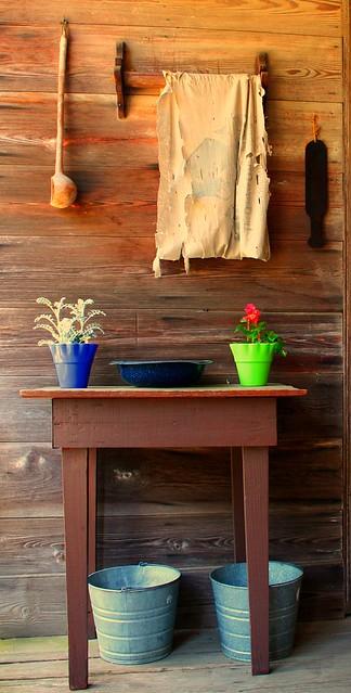 Wash Table