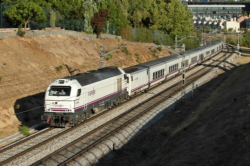 "334.015.5 Renfe + TH ""Lusitania"""