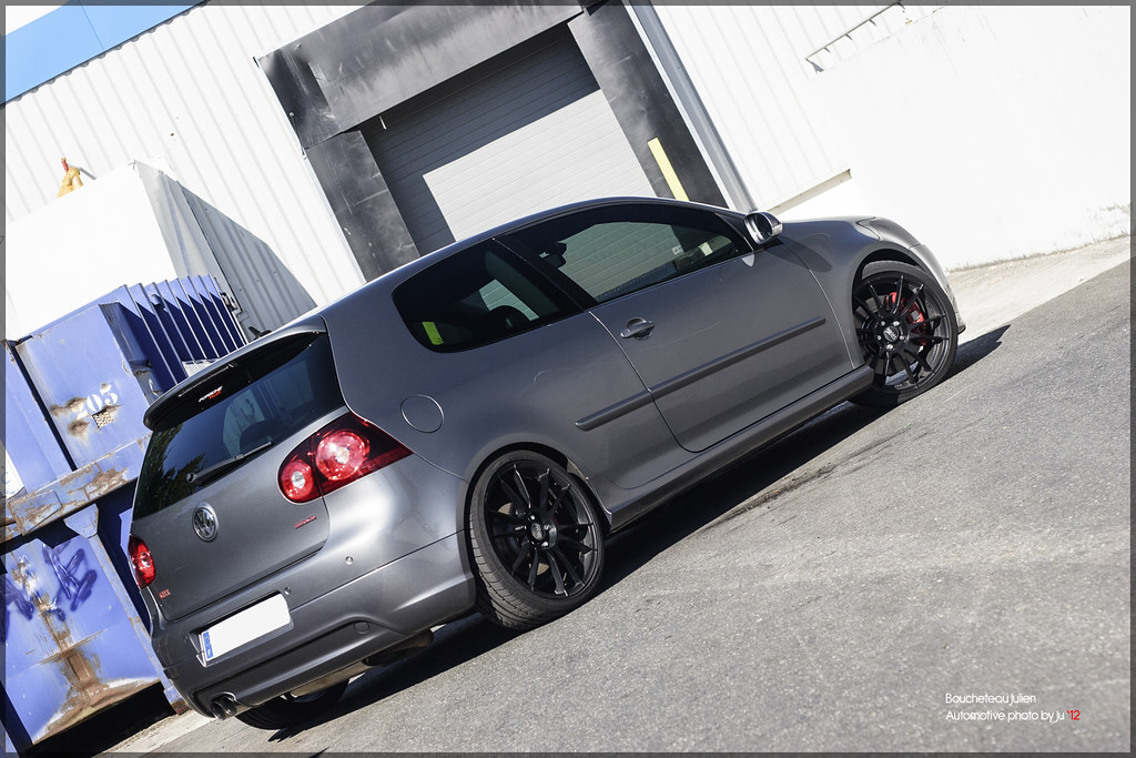 track 39 n 39 shoot vw golf v gti edition 30 mrc. Black Bedroom Furniture Sets. Home Design Ideas