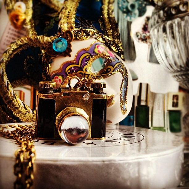 #vintage #camera #venezian #mask #masque #necklace #contestgram #instadaily #instafashion