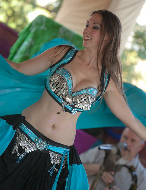 Nice shot of the lovely Samantha and sexy belly dancer at the Minnesota Renaissance Festival