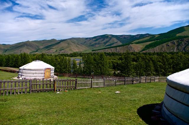 モンゴル紀行 ゲルのある風景