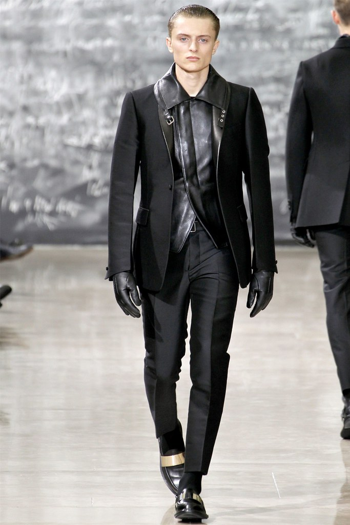 Max Rendell3010_FW12 Paris Yves Saint Laurent(VOGUE)