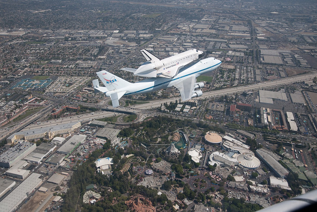 Endeavour over the Los Angeles Area (ED12-0317-046)
