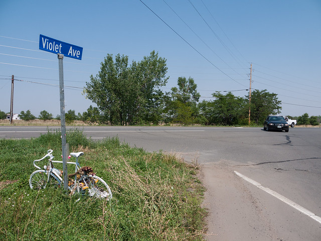Ghost Bike at Violet and US-36 in North Boulder by Zane Selvans on flickr