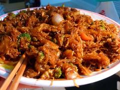 fried noodles(0.0), beef chow fun(0.0), produce(0.0), bulgogi(0.0), mie goreng(1.0), dak galbi(1.0), hokkien mee(1.0), char kway teow(1.0), food(1.0), dish(1.0), cuisine(1.0), chow mein(1.0),