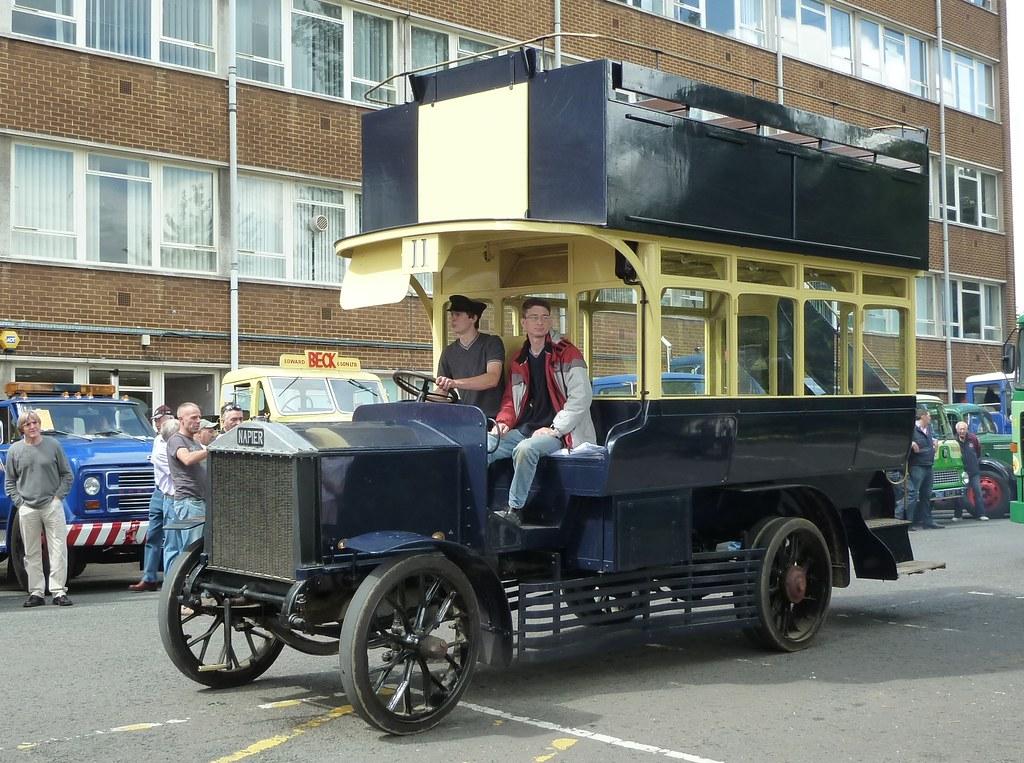 HD 369 - Napier Bus - arriving at Harrogate College - Trans Pennine 2012
