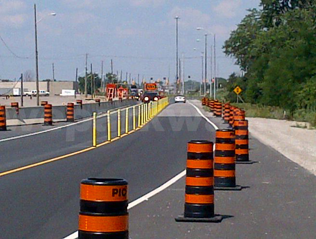 Traffic Barrels Trafic Barils Flickr Photo Sharing