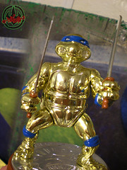 TEENAGE MUTANT NINJA TURTLES :: 5th ANNIVERSARY COLLECTOR TURTLE, #56,146 xi (( 1992 ))